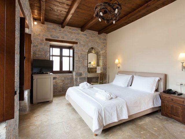 Πέτρα & Φως Boutique Hotel & Spa- RL033